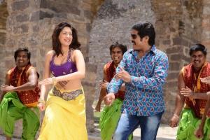 Hot Gurlin Chopra, Srihari in Siva Keshav Movie Stills
