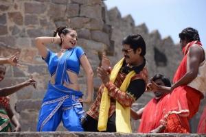 Gurlin Chopra, Srihari in Siva Keshav Movie Stills