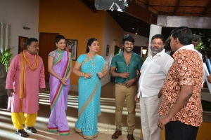Shiva Shankar Master, Ritika Singh, Urvashi, Lawrence, P Vasu, Vadivelu @ Sivalinga Movie Working Stills