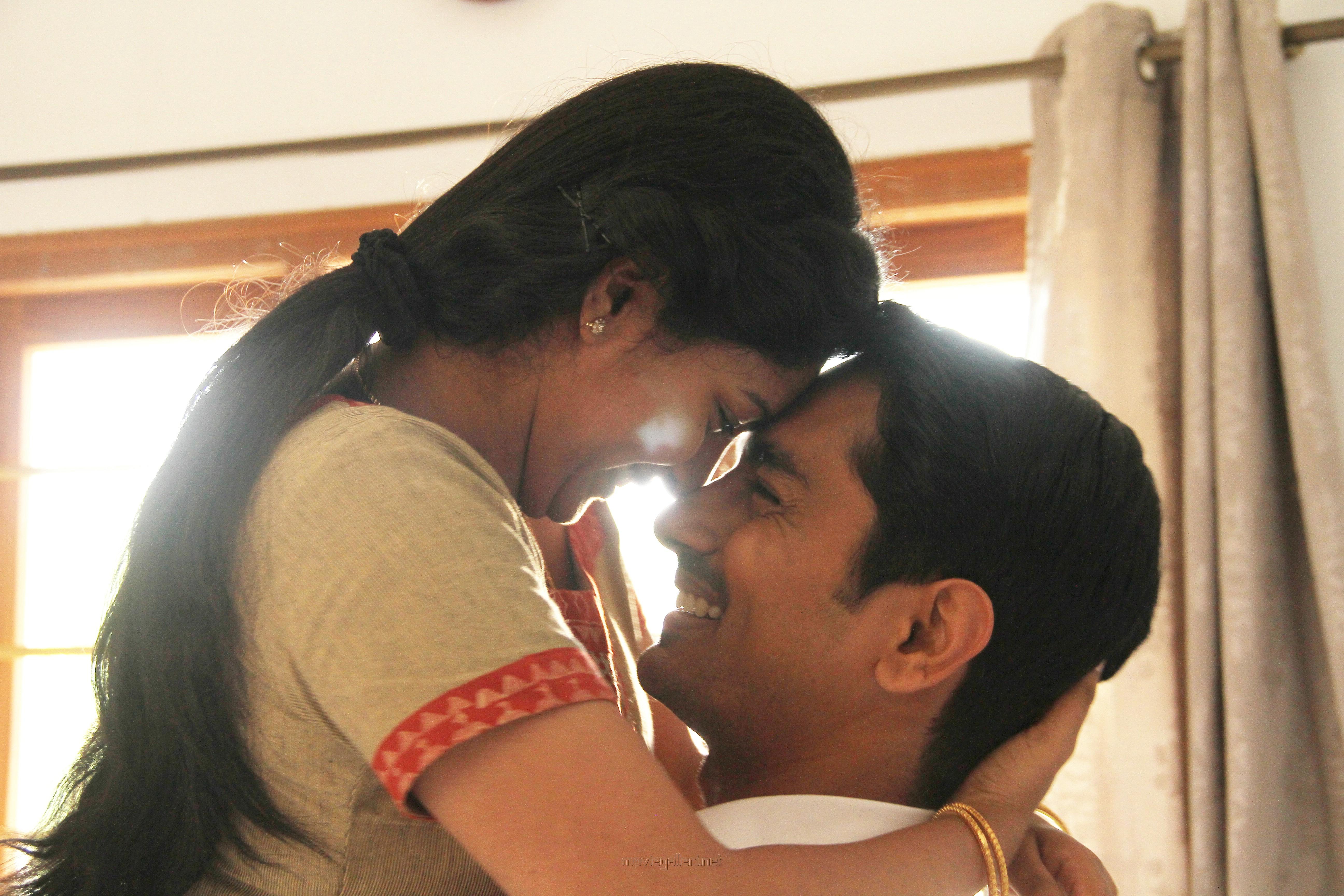 Siddharth in Sivappu Manjal Pachai Movie Stills HD