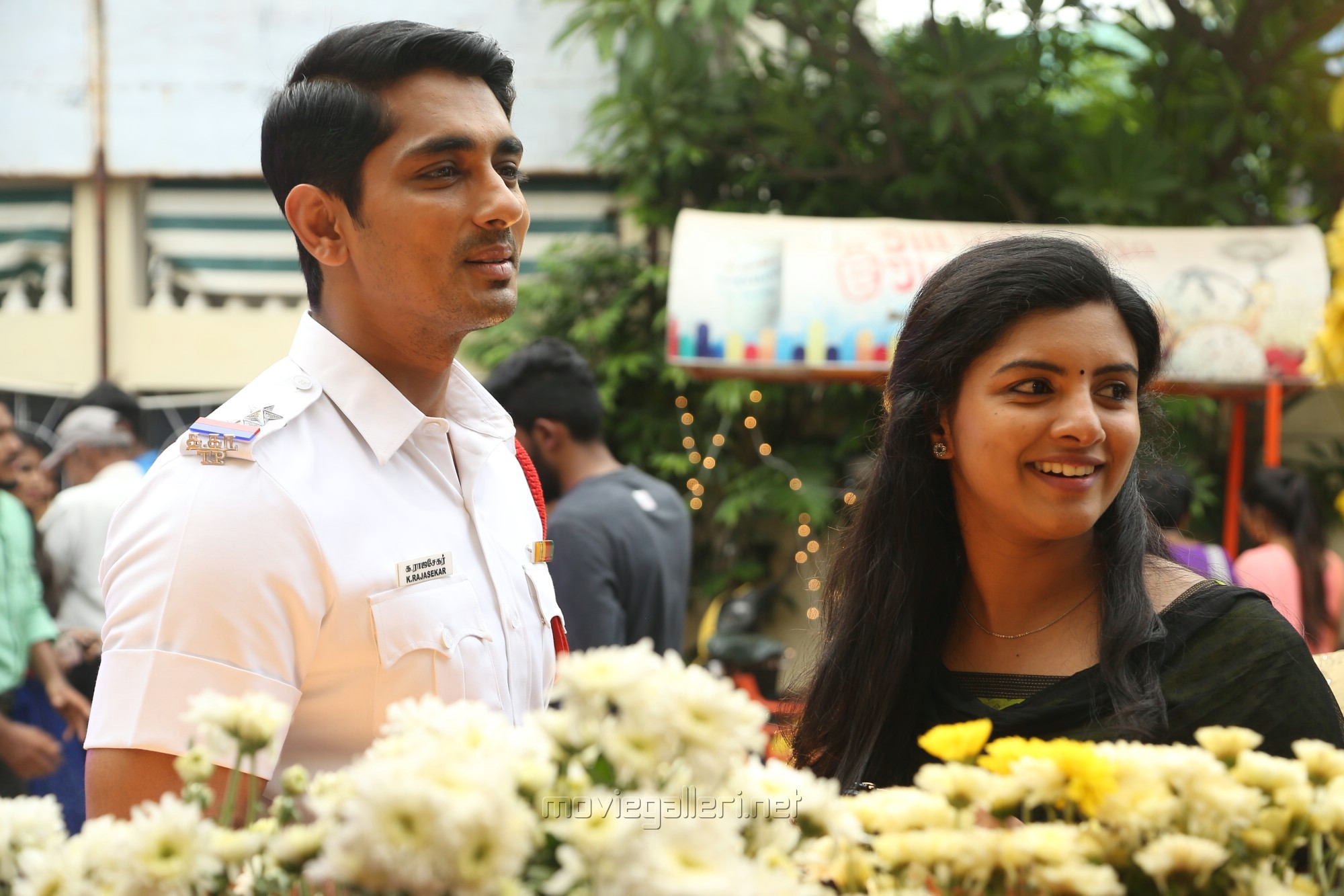 Siddharth, Lijomol Jose in Sivappu Manjal Pachai Movie Stills HD