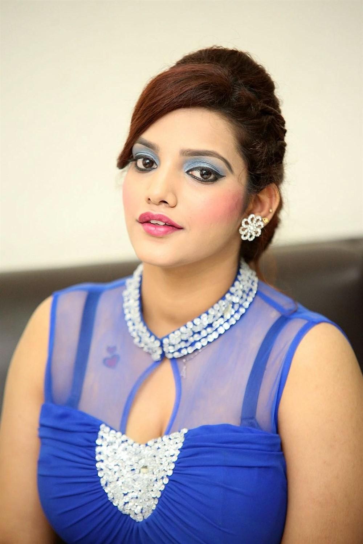 Actress SK Attiya Hot Blue Dress Photos