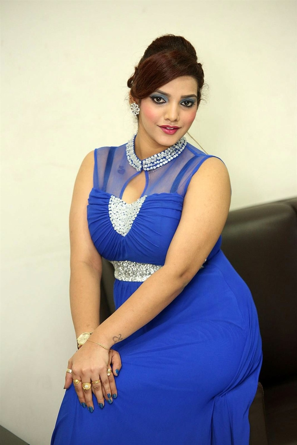 Actress SK Attiya Hot Blue Dress Photos