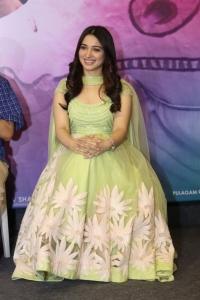 Actress Tamannaah @ Sketch Movie Team Meet Photos