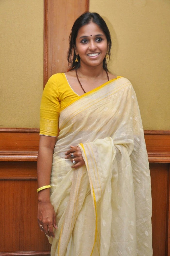 picture 699054 telugu pop singer smita photos in cotton saree new movie posters. Black Bedroom Furniture Sets. Home Design Ideas