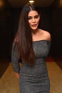 Gully Rowdy Movie Actress Sneha Gupta Images