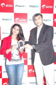 Sneha at Iphone 4S Launch