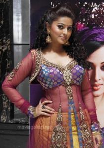 Tamil Actress Sneha @ Jashn 2011 Fashion Show