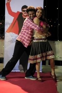 Chitram Srinu in Snehame Thoduga Movie Stills