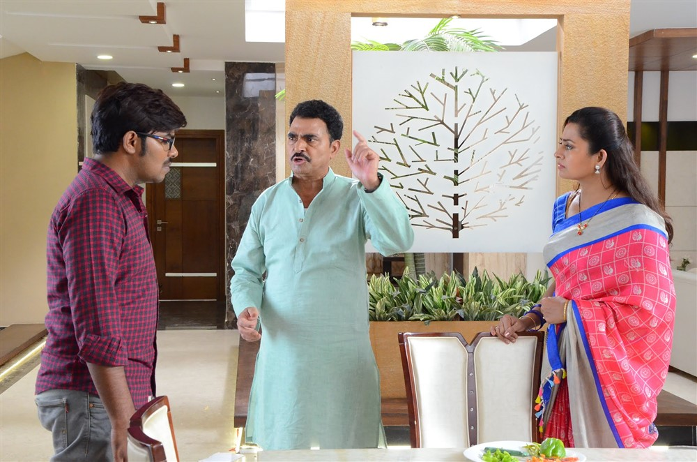 Sudigali Sudheer, Sayaji Shinde, Indraja @ Software Sudheer Movie Working Stills