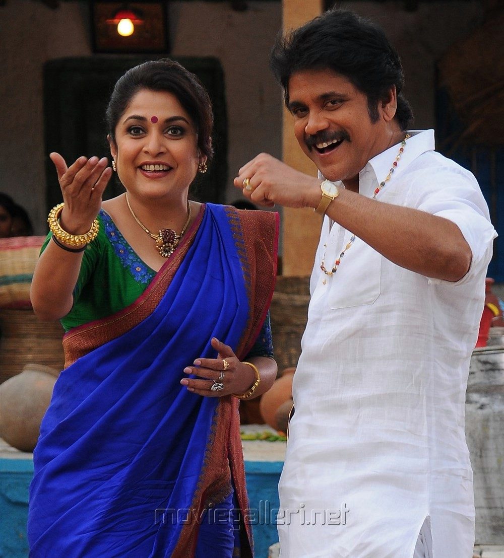 Ramya Krishnan, Nagarjuna in Sokkali Mainar Movie New Photos