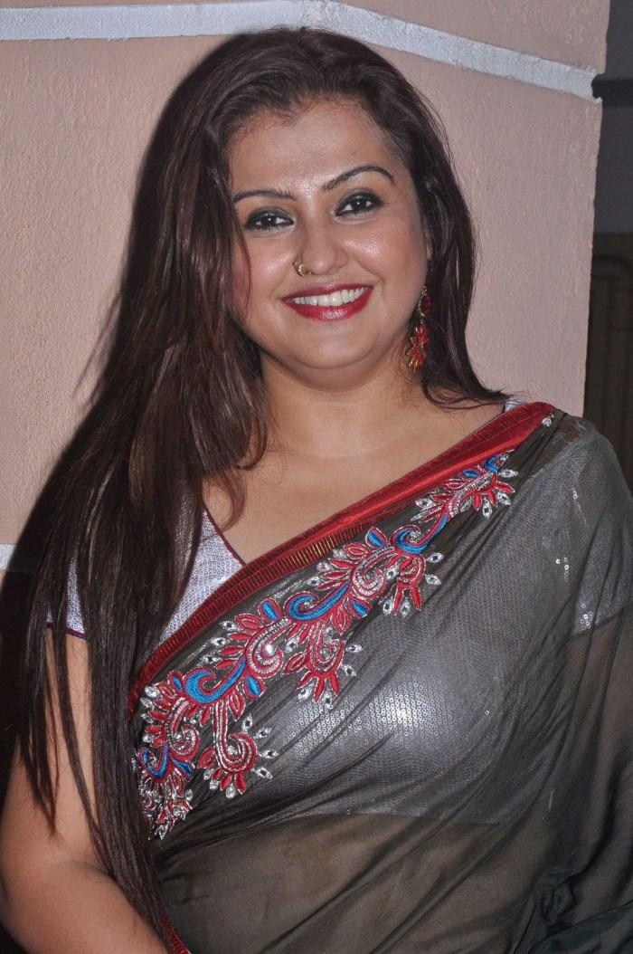 Actress Sona Hot Saree S