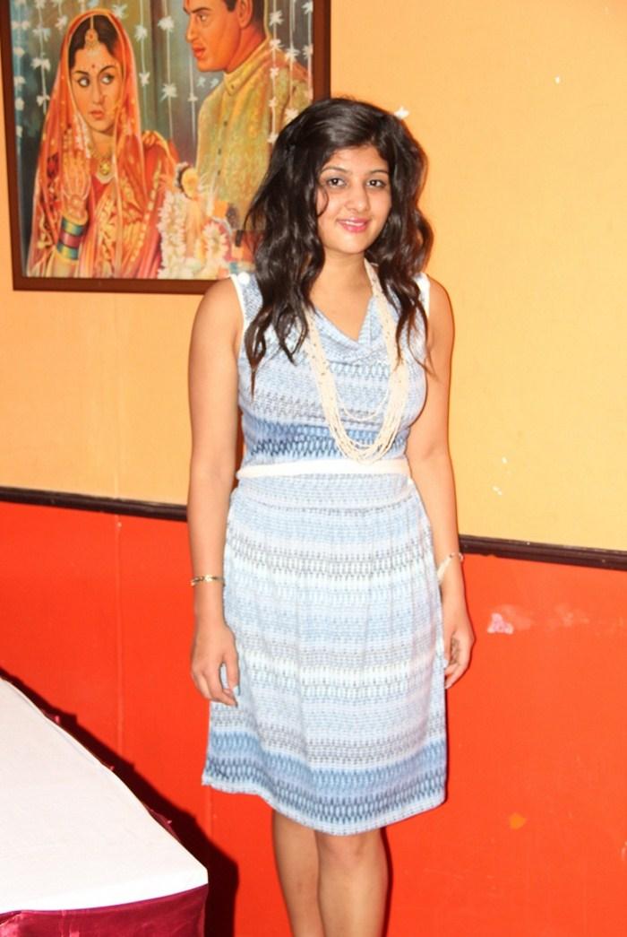 Tamil Actress Sona Chopra Hot Short Skirt Stills