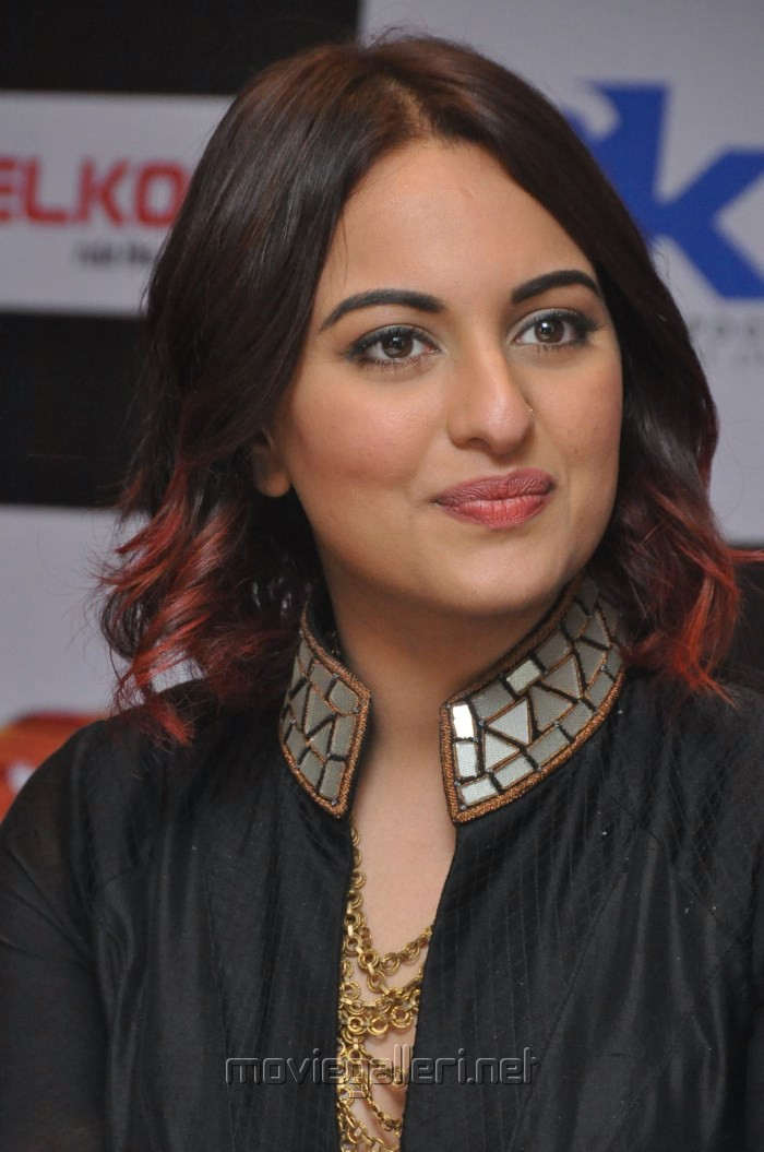 picture 804839 actress sonakshi sinha at tevar press meet