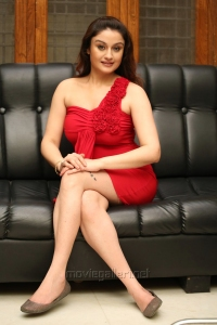 Amma Nanna Oorelithe Sonia Agarwal Hot Photoshoot Stills
