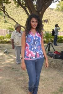 Telugu Actress Sonia Hot Photos at Mr Manmatha Shooting Spot