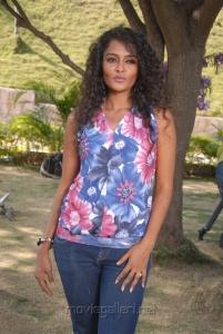 Telugu Actress Sonia Hot Photos at Mr Manmadha Shooting Spot