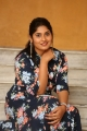 anchor-sonia-chowdary-new-photos-ninnu-thalachi-trailer-launch-1b2c557