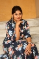 anchor-sonia-chowdary-new-photos-ninnu-thalachi-trailer-launch-2240b1b
