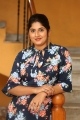 anchor-sonia-chowdary-new-photos-ninnu-thalachi-trailer-launch-33d174a