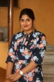 anchor-sonia-chowdary-new-photos-ninnu-thalachi-trailer-launch-4a26796