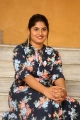 anchor-sonia-chowdary-new-photos-ninnu-thalachi-trailer-launch-5250142