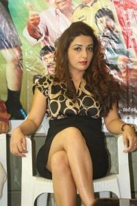 Sonia Mann Hot Stills @ Dhee Ante Dhee Press Meet