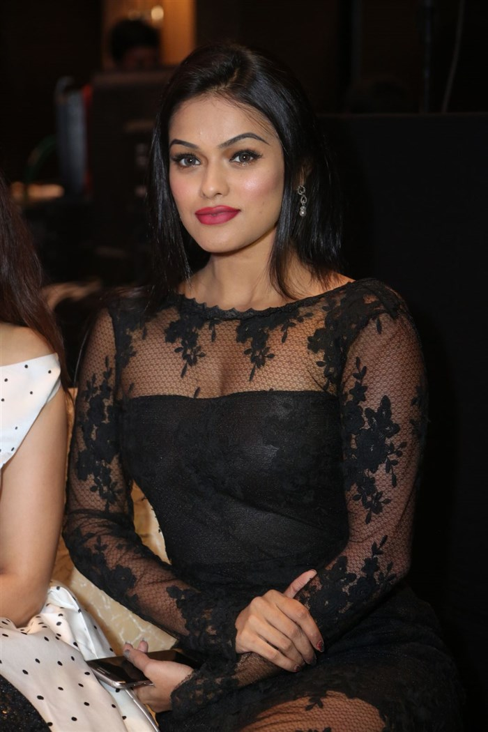 Soniya Glam Stills @ SIIMA Short Film Awards 2017