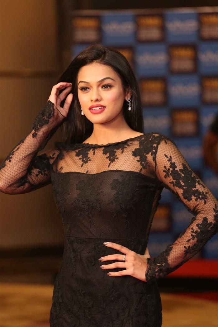 Model Soniya Hot Stills @ SIIMA Short Film Awards 2017