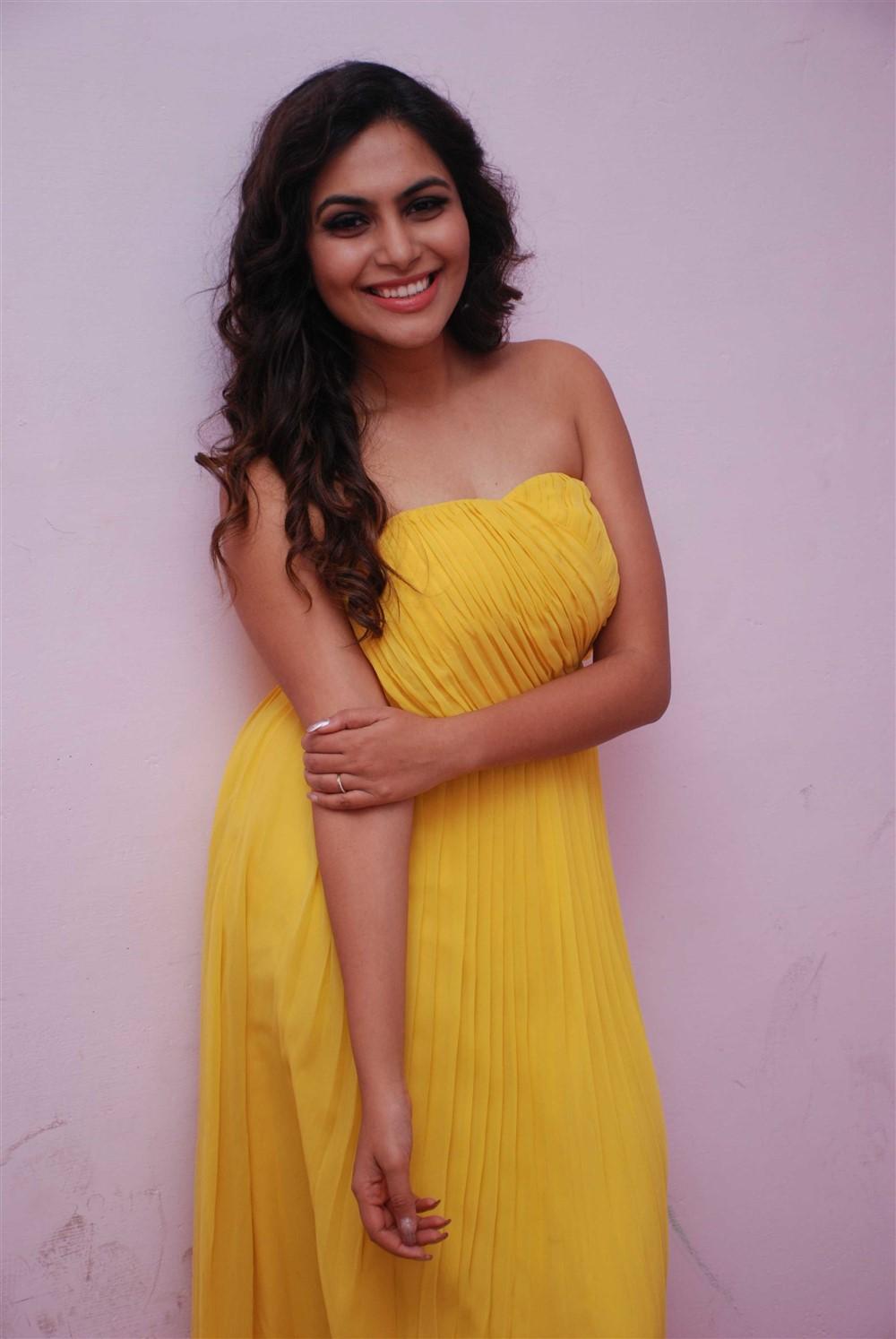 Kannada Actress Sonu Gowda Latest Photos