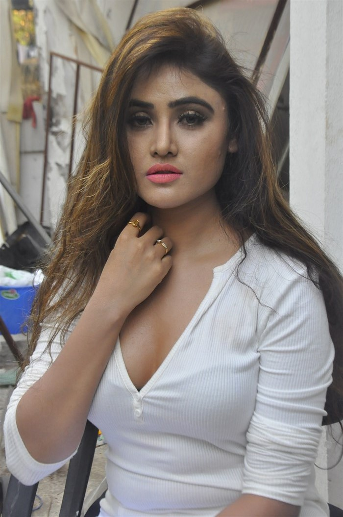 Actress Sony Charista Hot Photos @ The Jewellery Expo Curtain Raiser