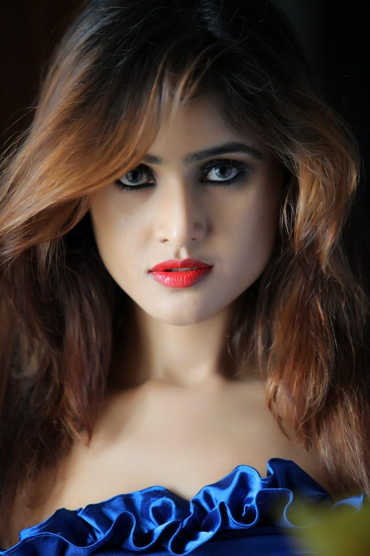Telugu Actress Sony Charishta Portfolio Images