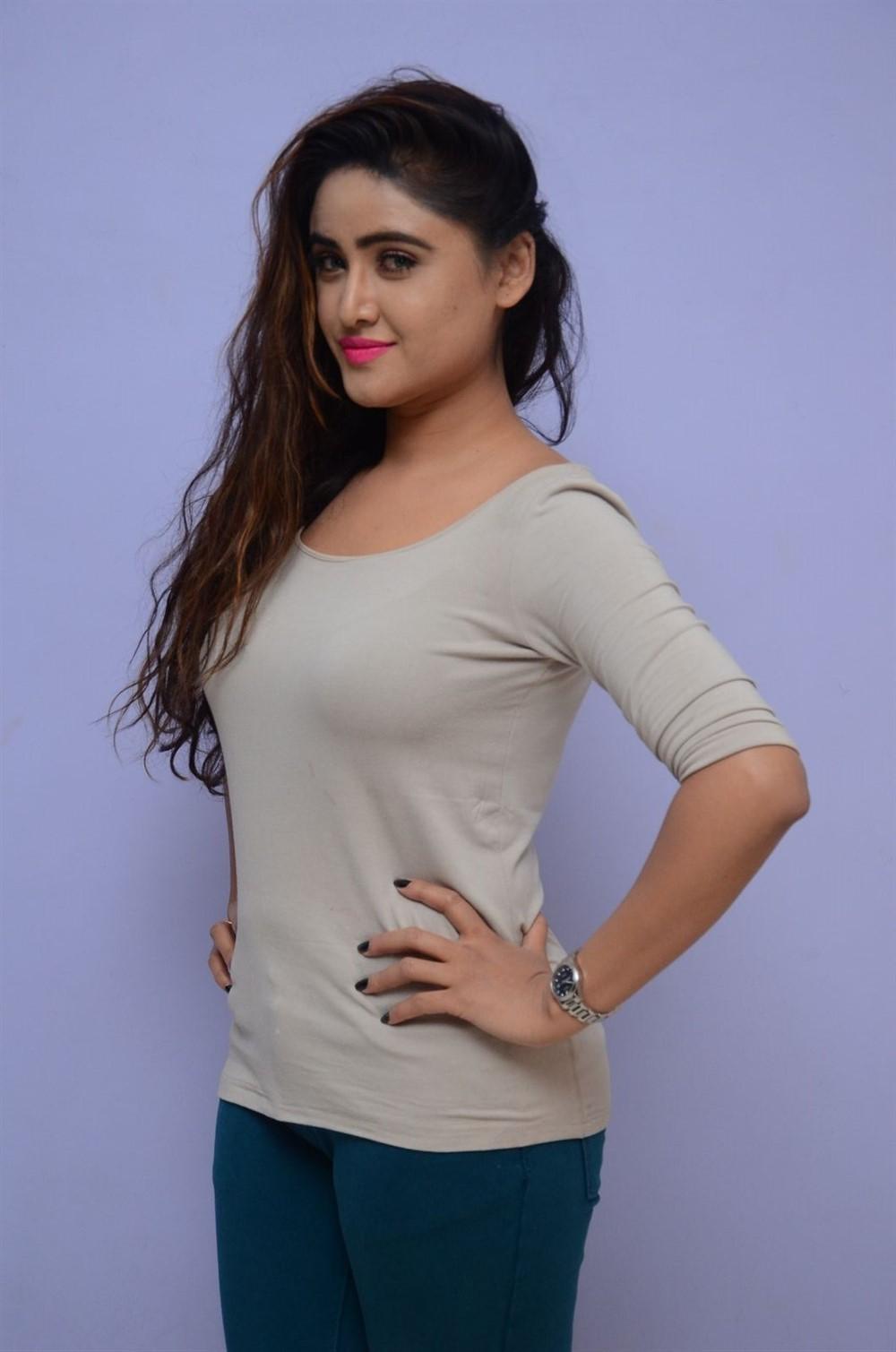 Telugu Actress Sony Charishta Photo Shoot Stills