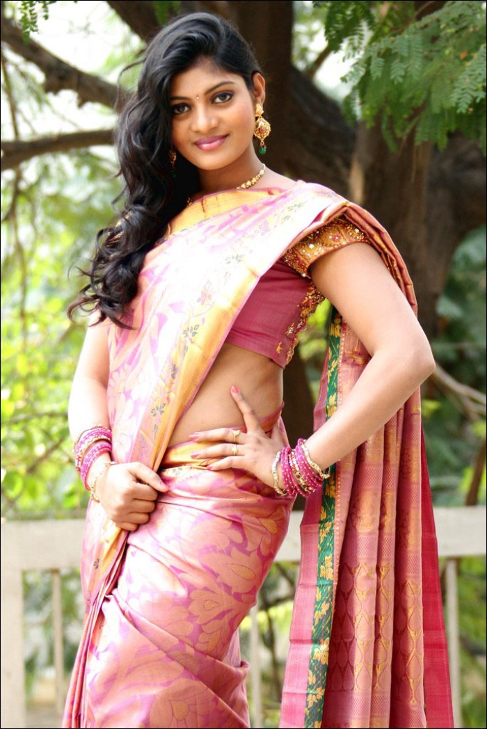 Telugu Actress Soumya Hot Silk Saree Photo Shoot Pics Sowmya Venugopal Red