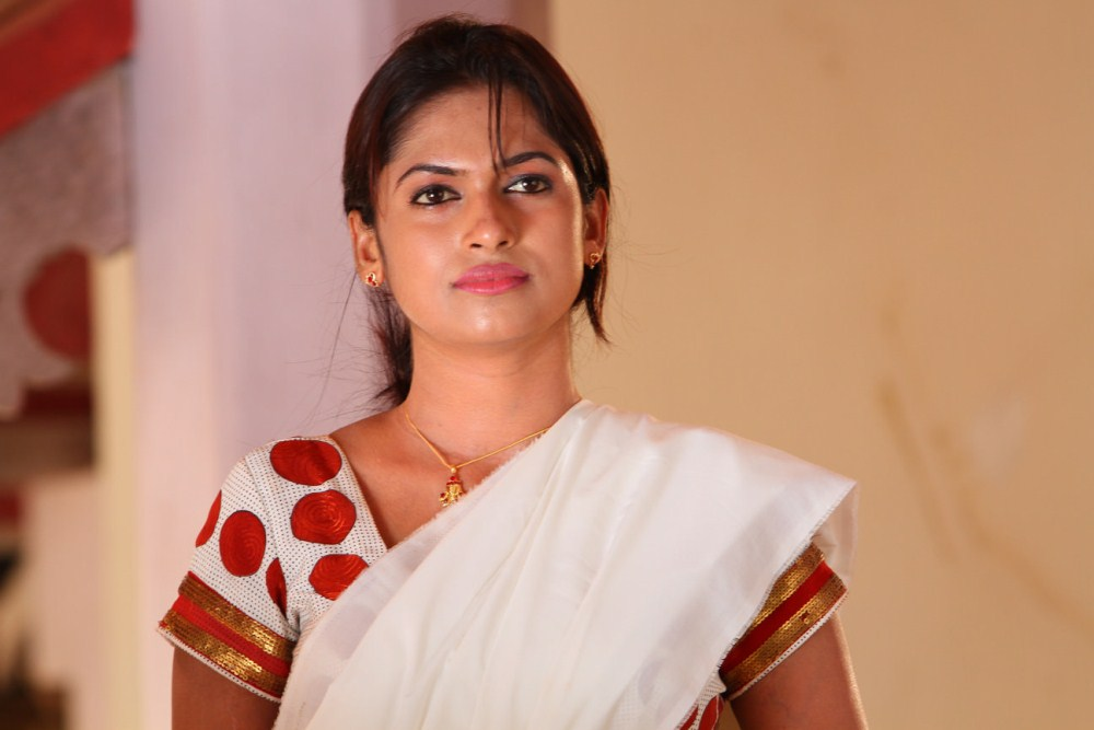 Soundarya Hot Tamil Movie Stills