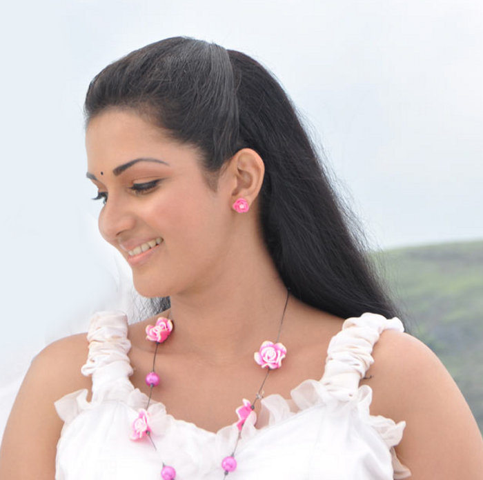 Mallukattu Movie Actress Soundarya Honey
