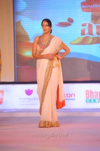 Lakshmi Prasanna at SouthSpin Fashion Awards 2012 Function Photos