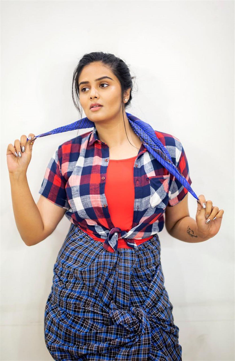 anchor-sreemukhi-recent-photoshoot-pics-00e2a5d