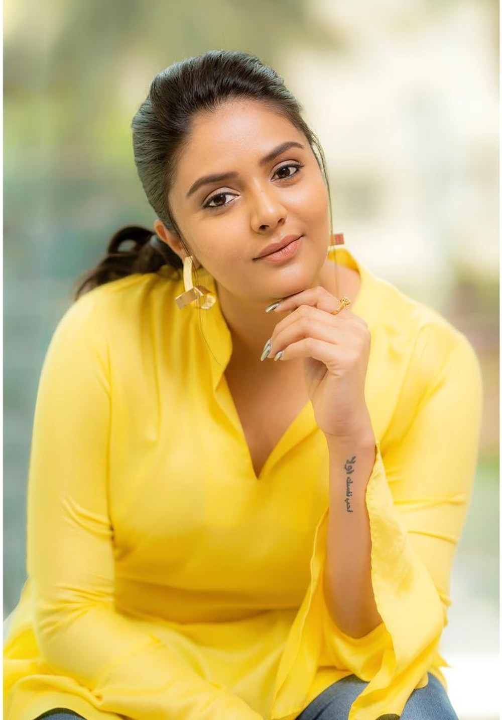 anchor-sreemukhi-recent-photoshoot-pics-7d666dc