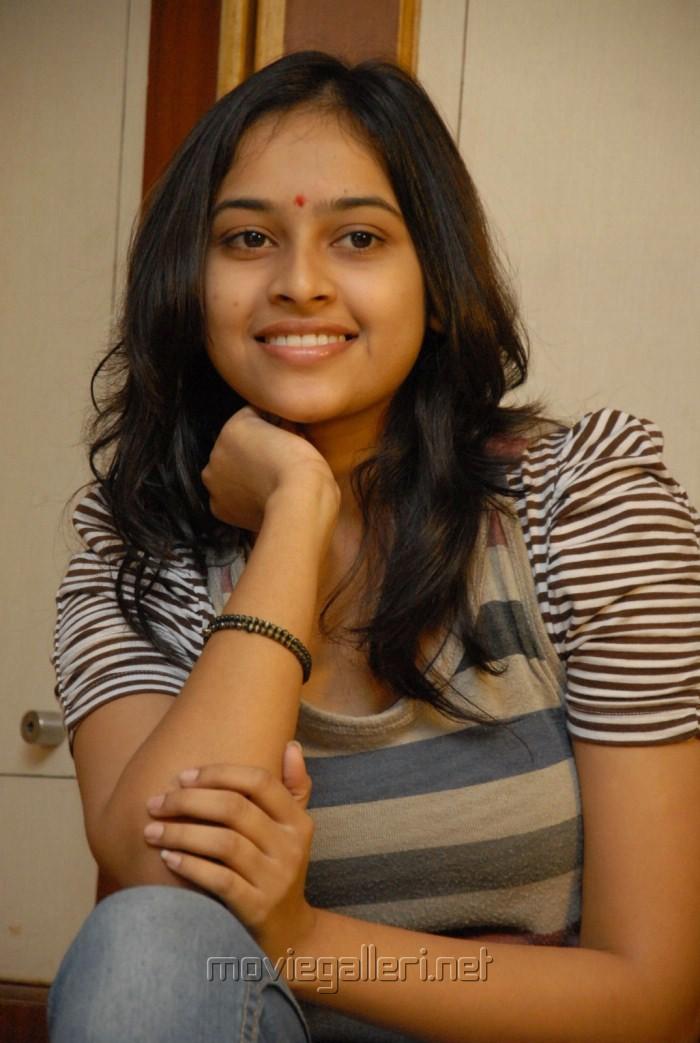 Actress Sri Divya Photos at Bus Stop Pressmeet