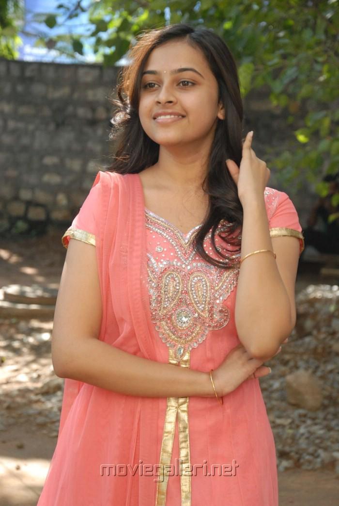 Sri Divya Latest Cute Stills at Bus Stop Press Meet