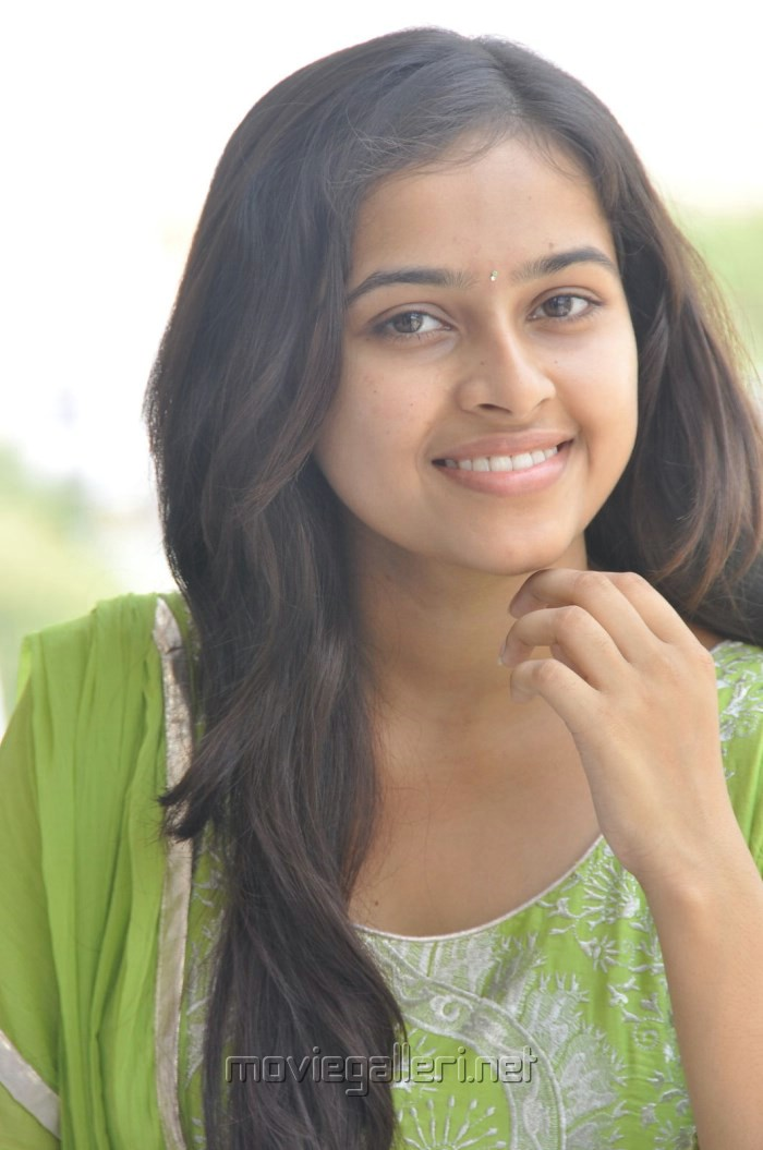 Telugu Actress Sree Divya Cute Photos