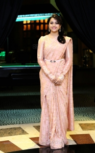 Tamil Actress Sri Divya New Photoshoot HD Images