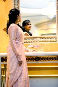 Tamil Actress Sri Divya New Photo Shoot HD Images