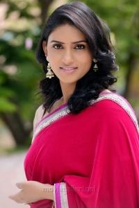 Telugu Actress Sri Sudha in Saree Photo Shoot Pics