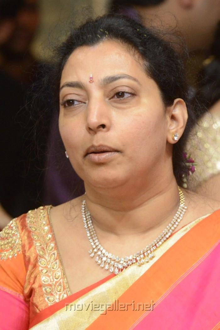 Balakrishna wife Vasundhara Devi Photos [ Gallery View ] - sribharat_tejaswini_balakrishna_wedding_pictures_28b19cf