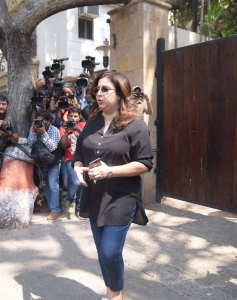 Farah Khan @ Sridevi Death Celebs visit Anil Kapoor House Stills