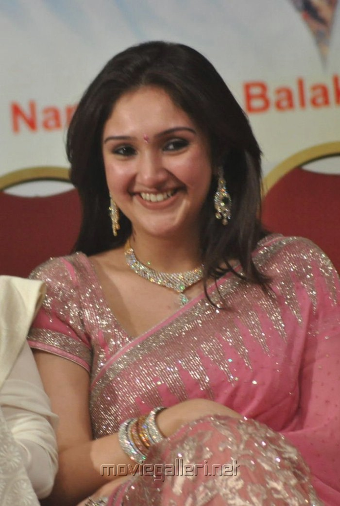 Sridevi Vijaykumar Sridevi Vijaykumar in Saree Veethi