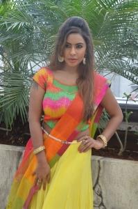 Actress Sri Reddy Mallidi Photos in Half Saree