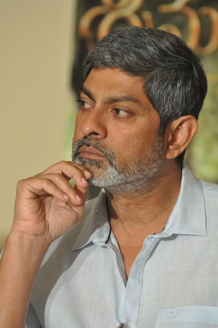 Jagapathi Babu @ Srimanthudu Movie Success Meet Stills